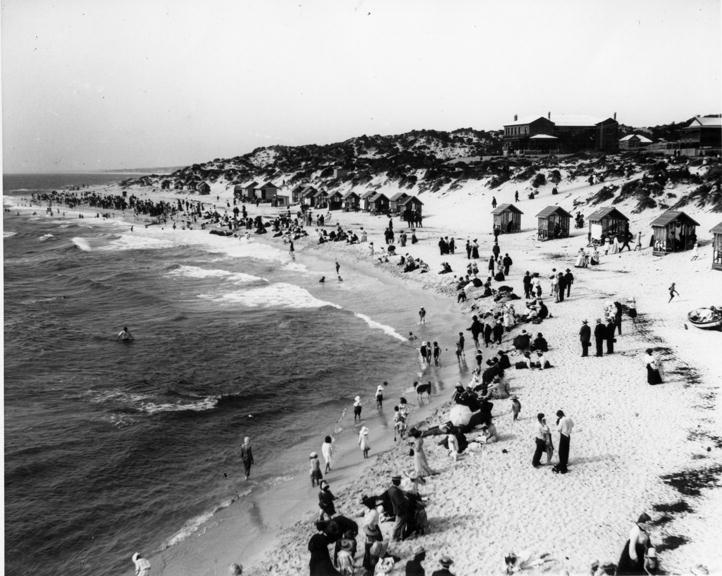 Cottesloe Beach c 1905. The Grove Library CPM00113