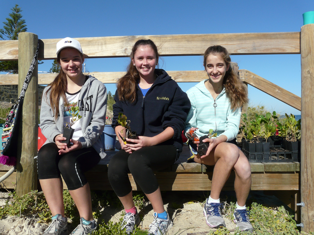 Lucy, Hannah and Isabelle with local native seedlings ready to plant