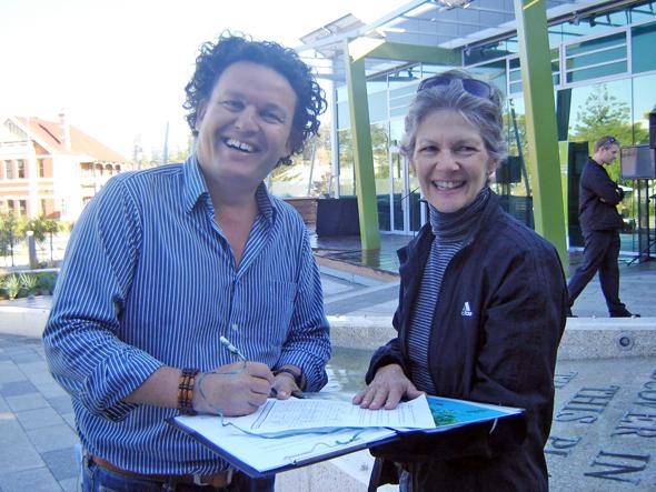 Josh Byrne (Gardening Australia presenter) signing our Weedy Seadragon petition on Saturday May 21st.